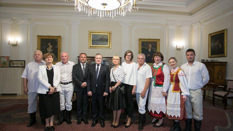 Kapela Kurpiowska Gminy Łomża zagrała na żywo w MKiDN