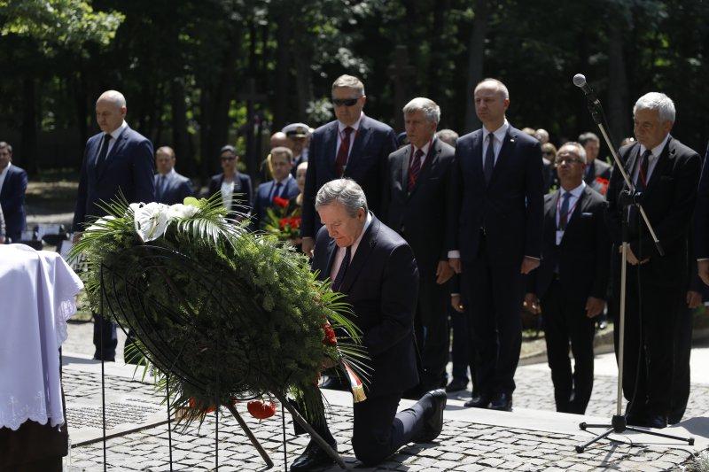 Pielgrzymka Rodzin Katyńskich do Charkowa z udziałem wicepremiera Glińskiego autor zdjęcia Danuta Matloch