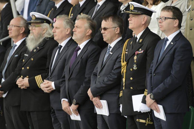Pogrzeb państwowy dziewięciu marynarzy - ofiar zbrodni komunistycznych; autor zdjęcia Adam Warżawa/PAP