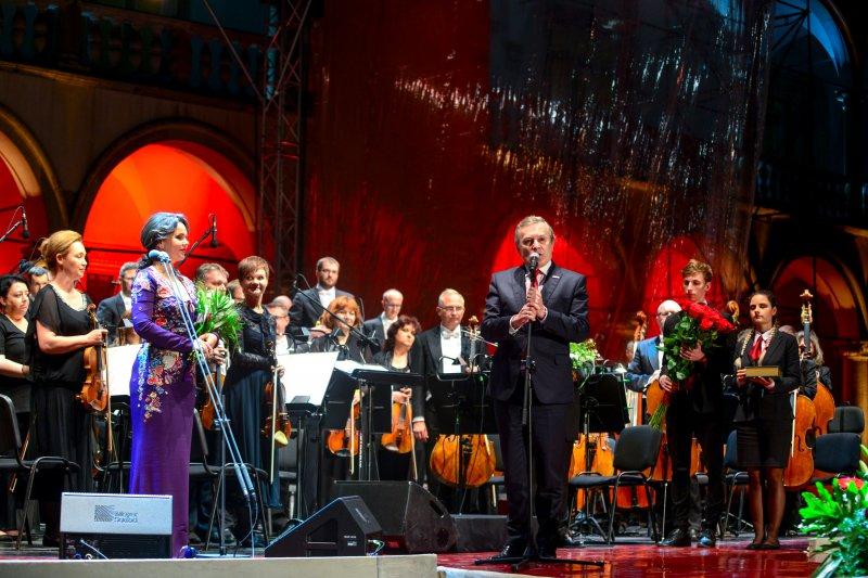 Aleksandra Kurzak odznaczona Złotym Medalem Zasłużony Kulturze Gloria Artis autor zdjęcia Łukasz Łuszczek