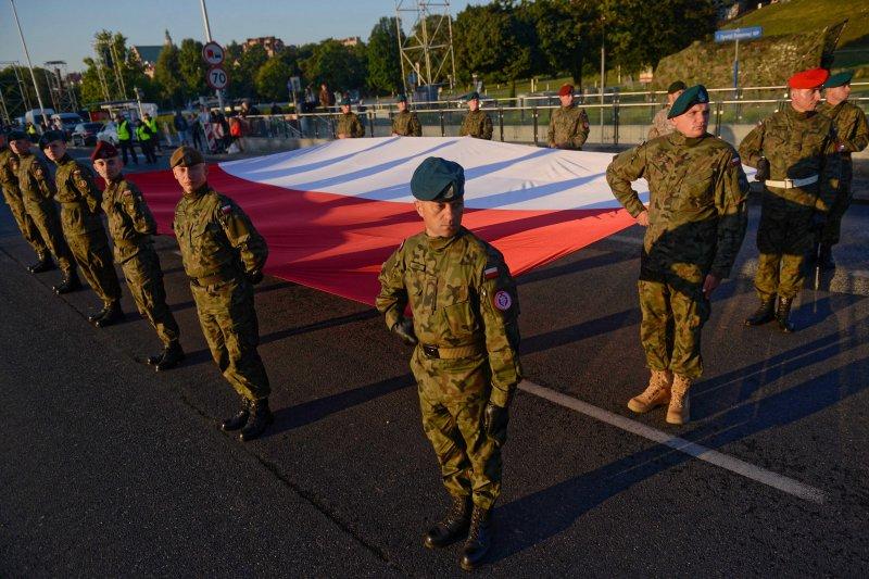 Na zdjęciu przygotowania do Wielkiej Defilady Niepodległości.