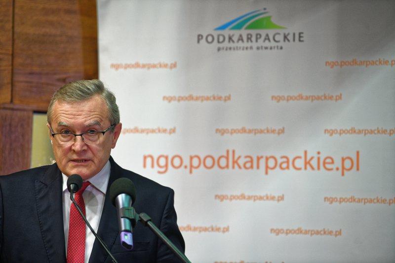 Wicepremier Gliński przemawia podczas III Forum Obywatelskiego w Rzeszowie