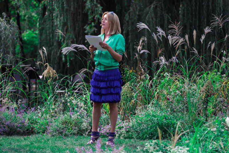 Na zdjęciu aktorka Edyta Olszówka czyta Przedwiośnie.