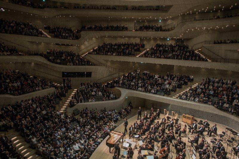 Na zdjęciu Narodowa Orkiestra Symfoniczna Polskiego Radia podczas koncertu.