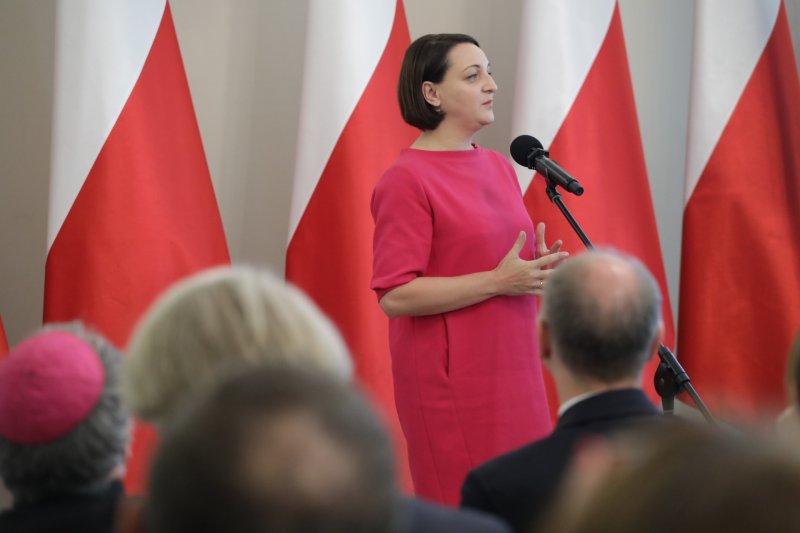 Wiceminister Magdalena Gawin przemawia podczas uroczystości w Belwederze.