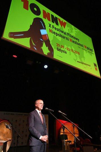 Wiceminister Jarosław Sellin przemawia podczas Festiwalu Niepokorni,  Niezłomni,  Wyklęci.