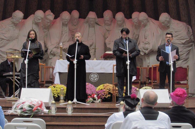 Na zdjęciu: Uroczystości ku czci osób pomordowanych w Lesie Piaśnickim