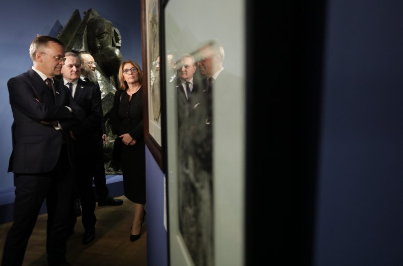 na zdjęciu wiceminister Sellin,  wicepremier Gliński,  wicemarszałek Beata Mazurek