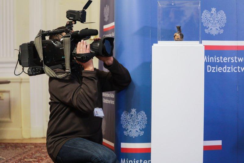 na zdjęciu wicepremier Gliński i goście