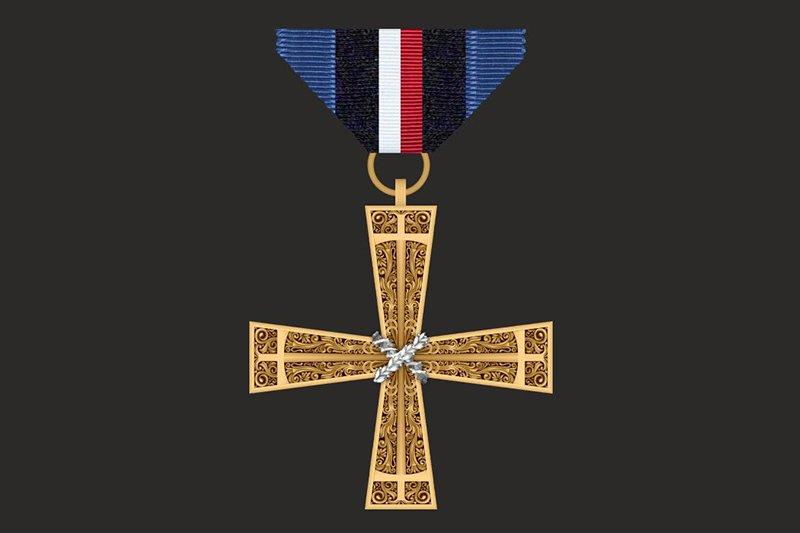 na zdjęciu Medal Opiekun Miejsc Pamięci Narodowej