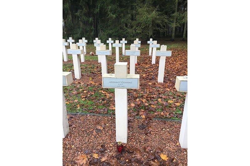 Aktualne zdjęcie grobu porucznika Mikołaja Kirkilewicza,  fot. Andrzej Ossowski