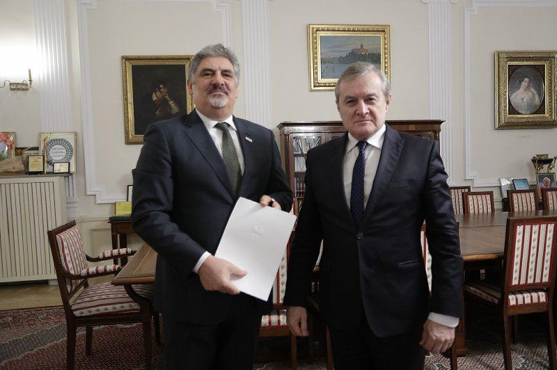 Na zdjęciu: Minister Piotr Gliński i Jerzy Miziołek