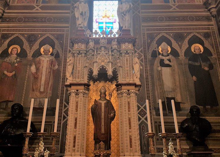 na zdjęciu ołtarz w Kaplicy Polskiej