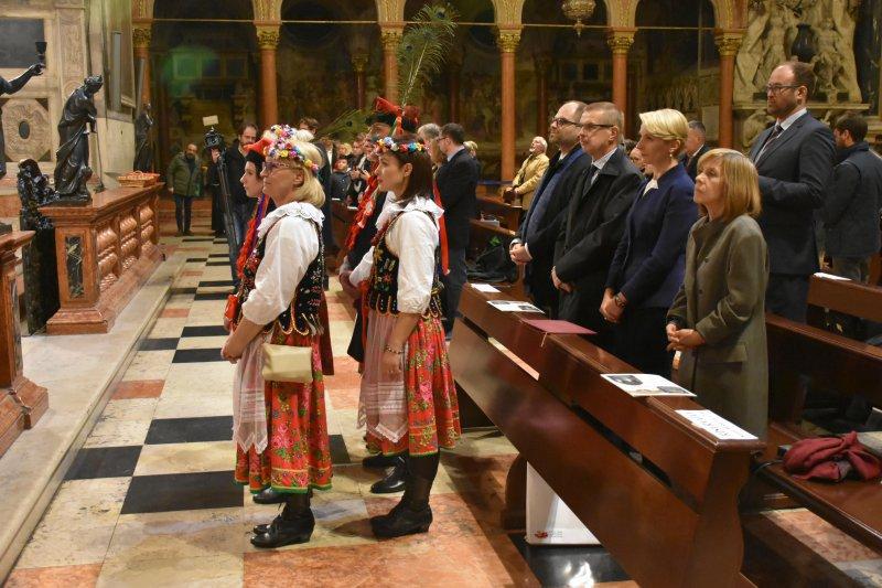 na zdjęciu minister Lewandowski podczas mszy św.