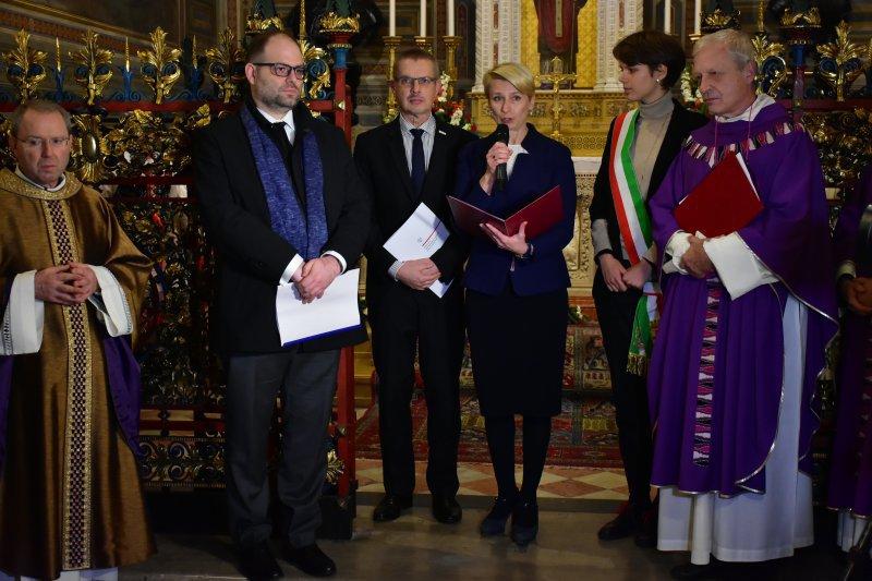 na zdjęciu wiceminister Lewandowski i konsul RP w Mediolanie