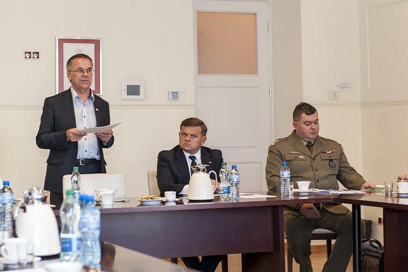 na zdjęciu wiceminister Sellin i wiceminister Skurkiewicz