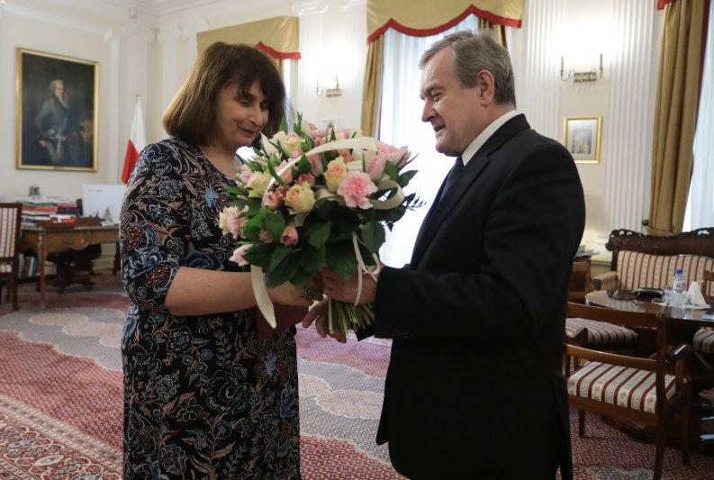 Na zdjęciu: Minister Piotr Gliński i dyrektor Dorota Janiszewska-Jakubiak