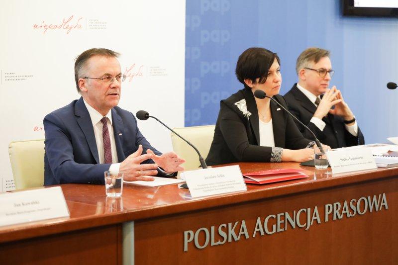 """Na zdjęciu: Wiceminister Sellin na konferencji dotyczącej programu """"Niepodległa"""""""