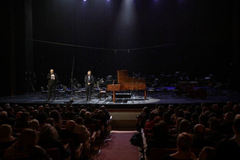 Na zdjęciu: Pierwsza prezentacja kopii warszawskiego fortepianu Chopina