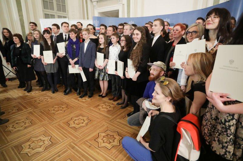 """Na zdjęciu: uroczystość wręczenia stypendiów """"Młoda Polska"""""""