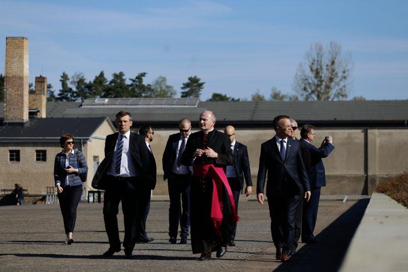 Na zdjęciu: obchody 73. rocznicy wyzwolenia niemieckiego obozu Sachsenhausen