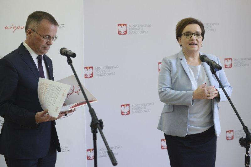 Na zdjęciu: Sekretarz Stanu Jarosław Sellin na lekcji historii