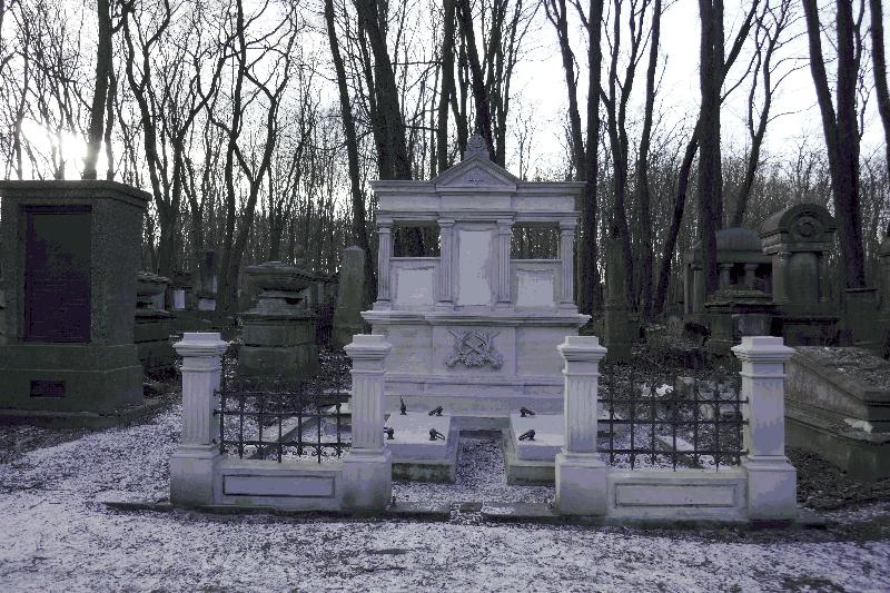 Cmentarz Żydowski Nagrobek Zofii z Zająców Baumberg po zakończonych pracach konserwatorskich. fot. J. Rosiak