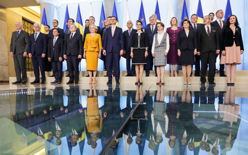 Na zdjęciu: Podpisanie umowy o grobach wojennych między Polską a Rumunią