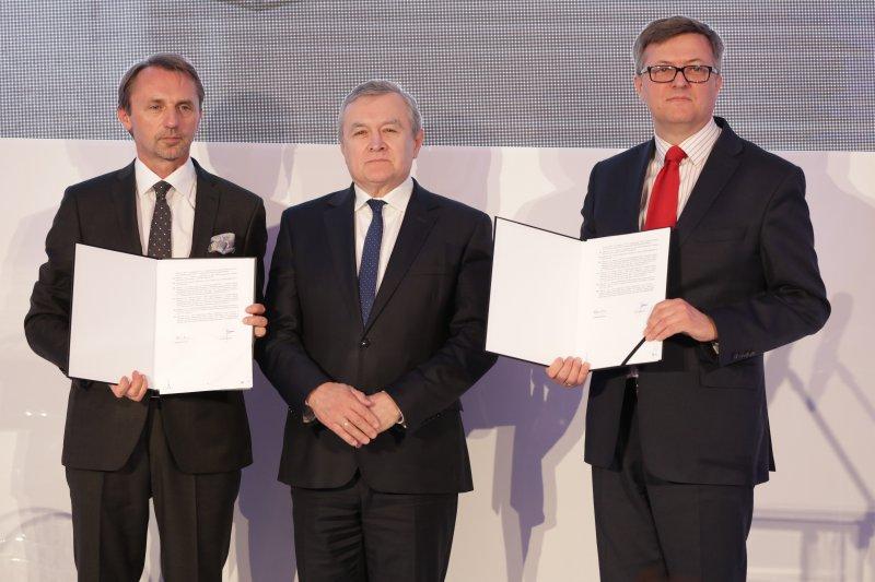 Na zdjęciu: Uroczystość podpisania umowy na budowę siedziby Muzeum Historii Polski