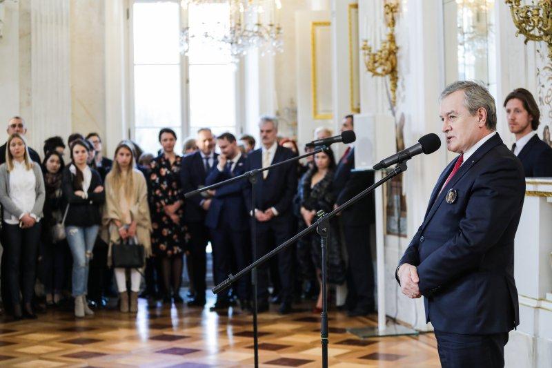 na zdjęciu wicepremier Gliński przemawia