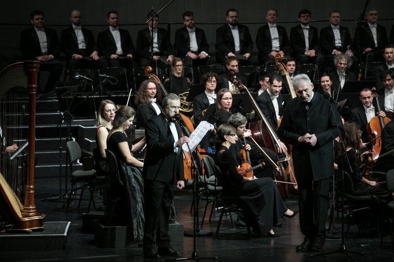 na zdjęciu wicepremier Gliński i Waldemar Dąbrowski