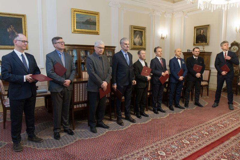na zdjęciu członkowie Rady Instytutu POLONIKA