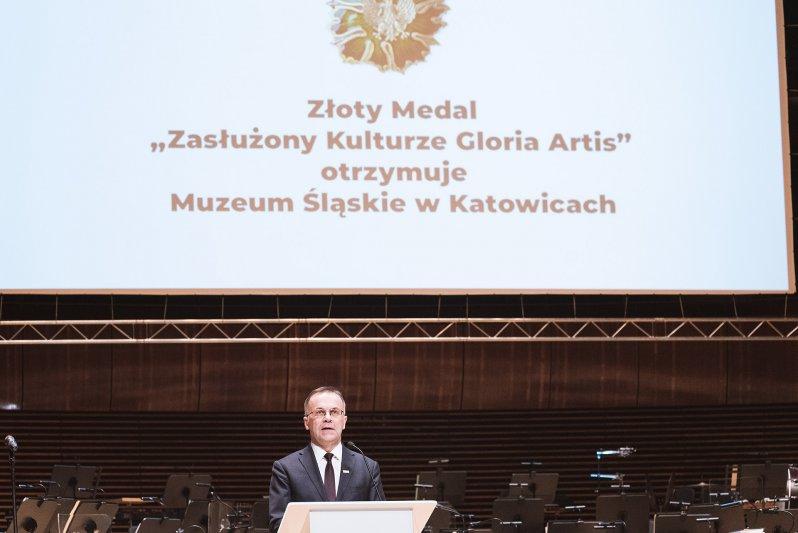 na zdjęciu minister Sellin