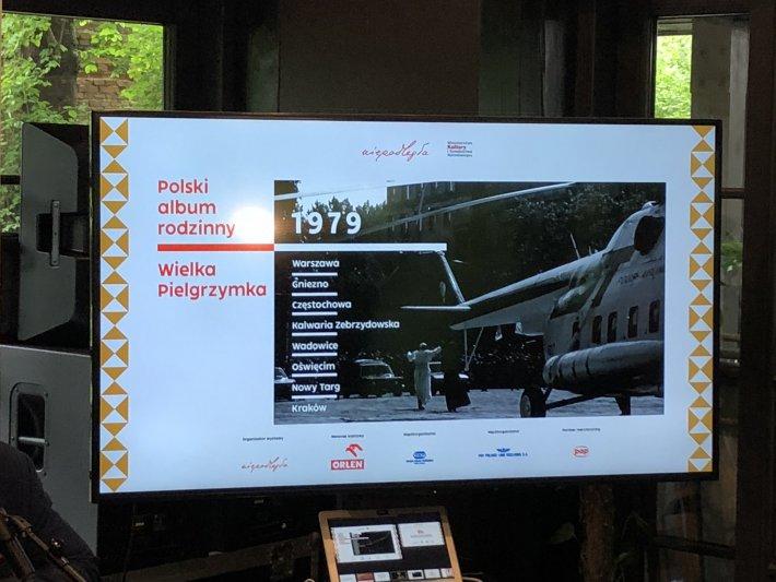 na zdjęciu plansza z prezentacji