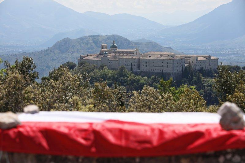 na zdjęciu wzgórze Monte Cassino