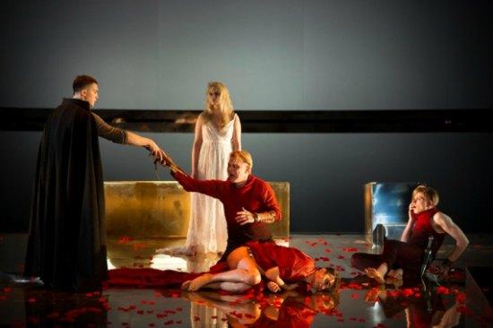 Irydion w Teatrze Polskim w Warszawie. Fot.: Bartek Warzecha