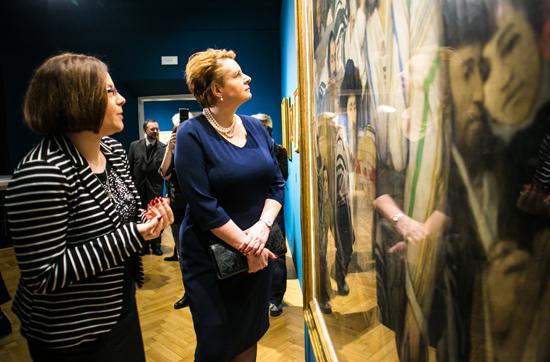 46 dzieł Maurycego Gottlieba prezentowanych jest w Kamienicy Szołayskich Oddziale Muzeum Narodowego w Krakowie. 12 lutego br. wystawę obejrzała Minister Kultury i Dziedzictwa Narodowego prof. Małgorzata Omilanowska fot. Danuta Matloch