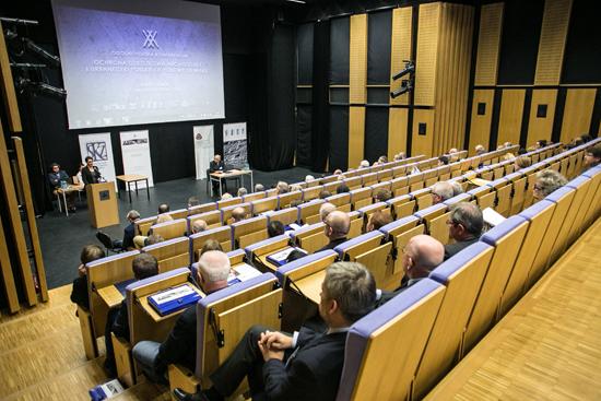 Na zdjęciu: Przemawia minister Magdalena Gawin