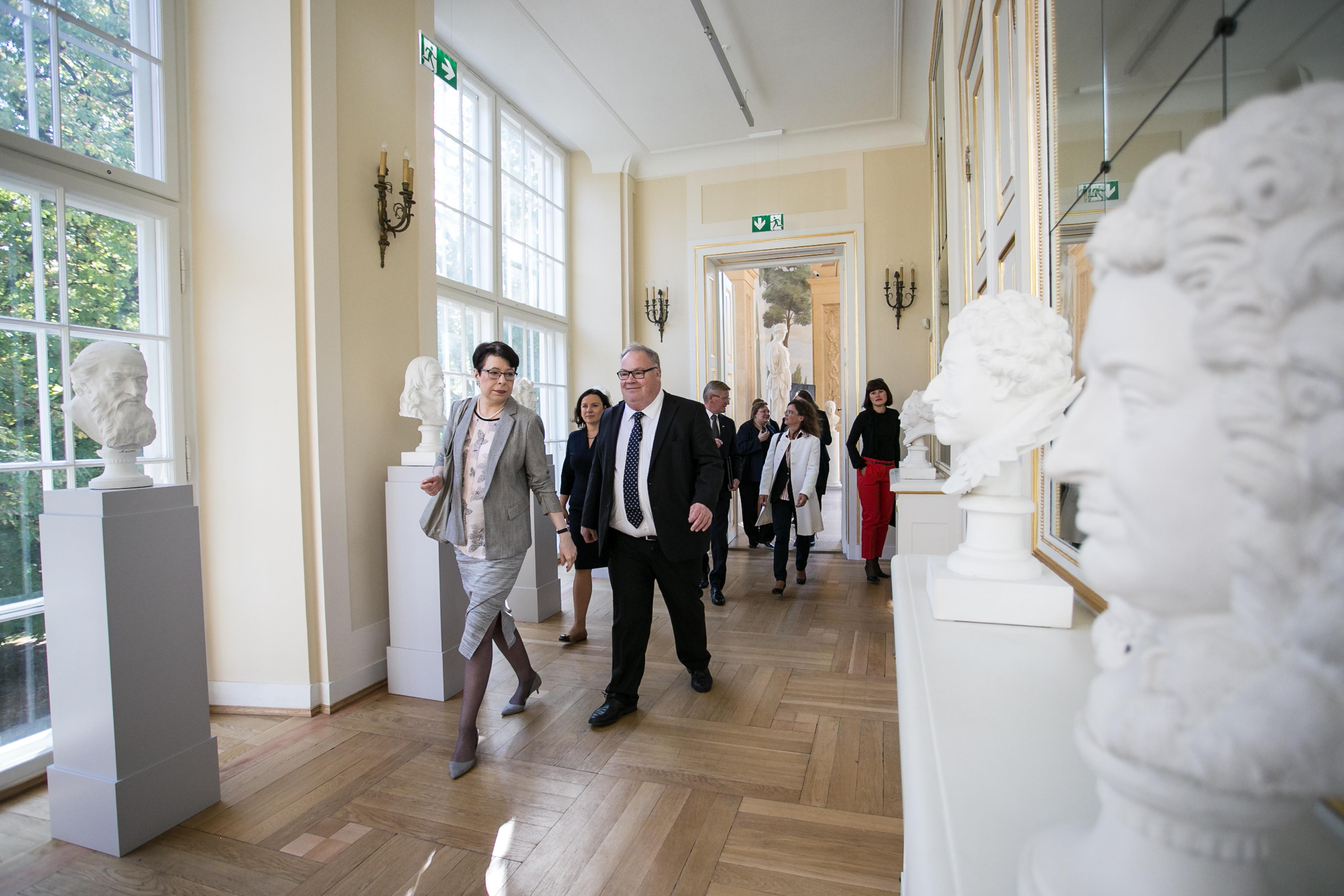 Podsekretarz Stanu MKiDN Wanda Zwinogrodzka i Sekretarz Stanu w Ministerstwie Kultury Norwegii Bård Folke Fredriksen/autor zdjęcia Danuta Matloch/